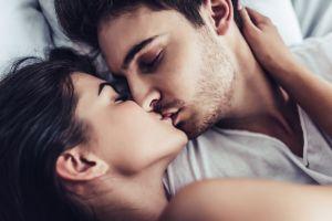 Qué es el beso blanco y por qué es peligroso para tu salud
