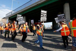 Medida que busca convertir a contratistas en empleados desata batalla en California
