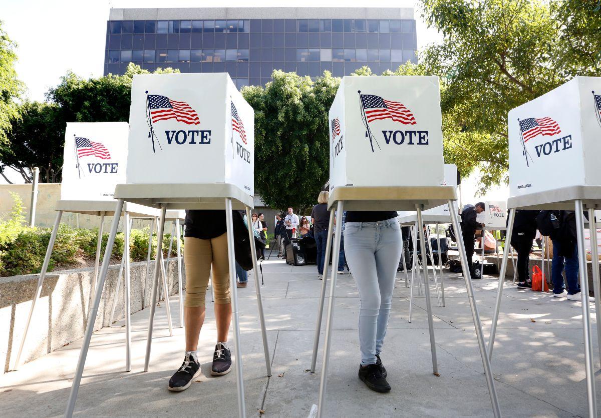 Miles de 'independientes' no podrán votar en las primarias del Partido Demócrata