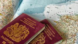 """Los 10 pasaportes más """"poderosos"""" del mundo para viajar sin visa"""