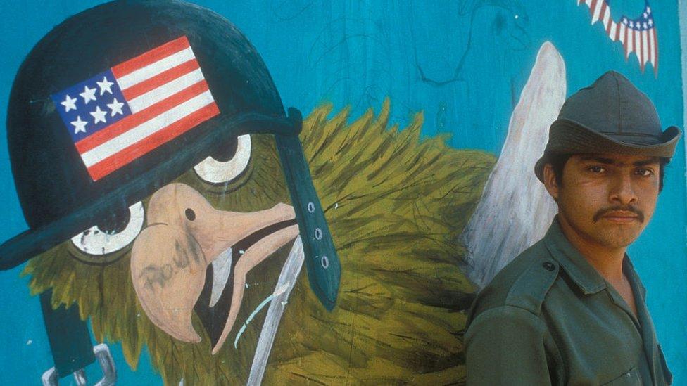 ¿Qué rol ha tenido Estados Unidos en la violencia, la pobreza y la falta de oportunidades que padecen los centroamericanos?