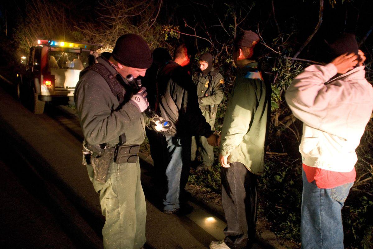 Un grupo de inmigrantes detenido por la Patrulla Fronteriza en Texas.