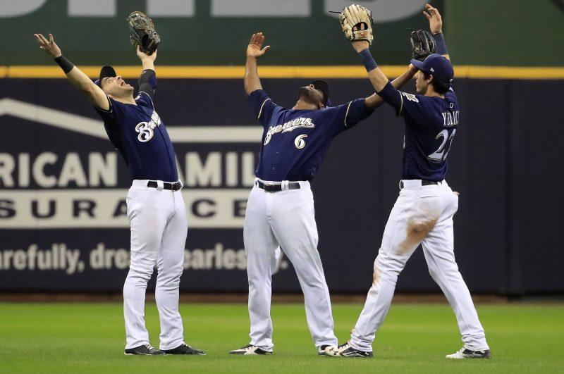 Milwaukee avanza a la Serie de Campeonato y espera a Dodgers o Braves