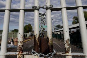 Guatemala cierra sus fronteras y bloquea deportaciones desde EEUU por coronavirus