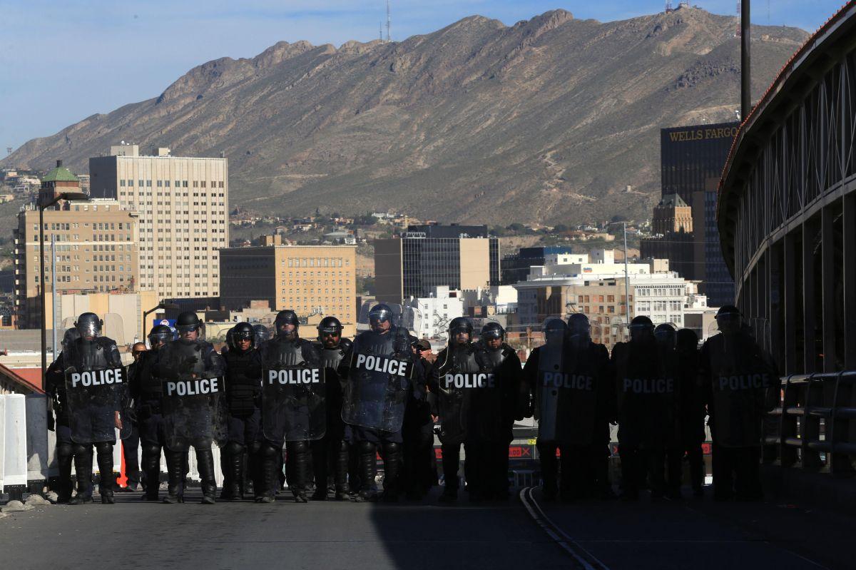 Los oficiales hicieron un ejercicio antimotines.