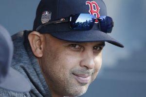 Alex Cora es despedido por los Red Sox y su carrera en las Ligas Mayores parece terminada