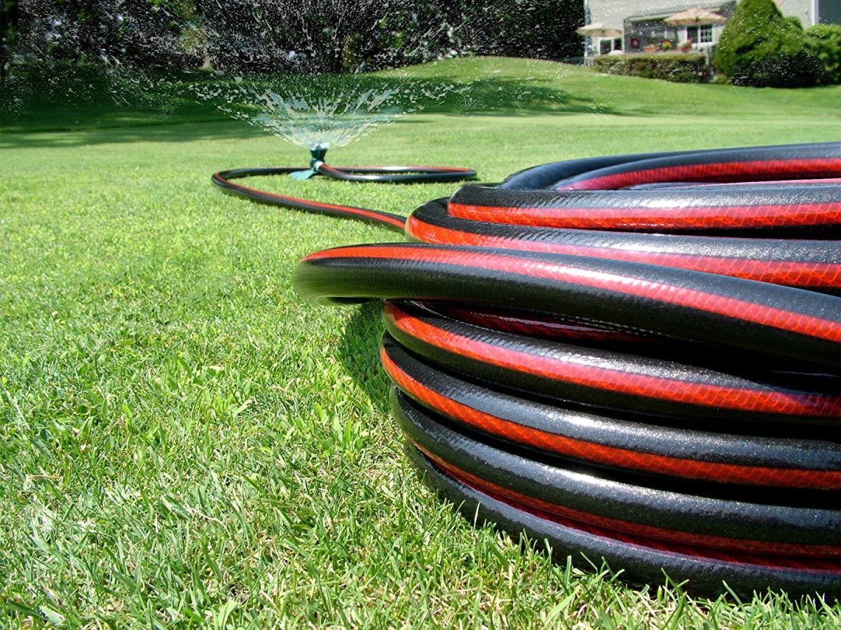 Las mejores 4 mangueras de agua para alcanzar cada rincón de tu casa