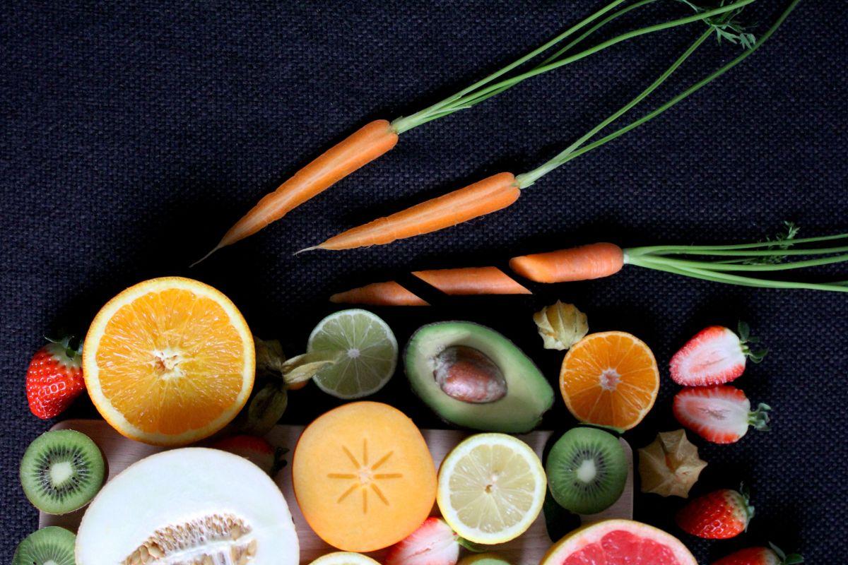 Las frutas y verduras orgánicas son más caras, pero puede valer la pena.