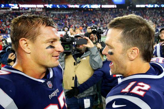 Tom Brady (der.) y Rob Gronkowski, las dos mayores estrellas de los Patriots.
