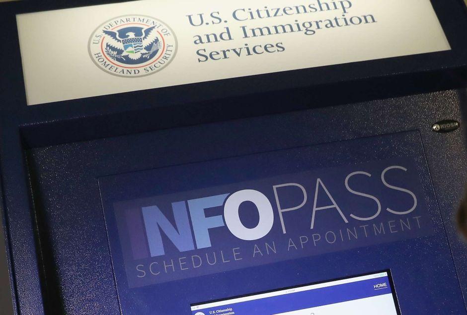 USCIS anuncia ajustes para formulario de cambio de estatus migratorio