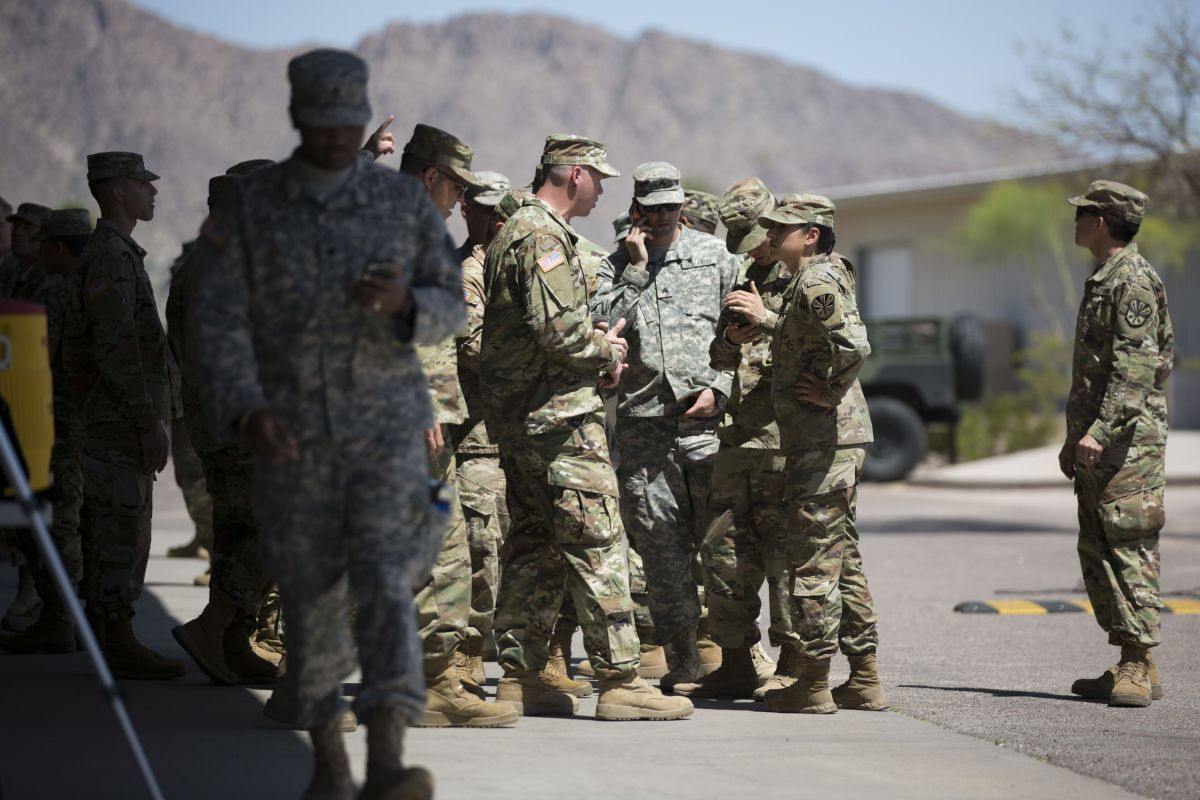 La Administración Trump descartó enviar 14,000 soldados a la frontera con México.