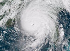 """Huracán """"Michael"""", el peor desde 1851, toca tierra en Florida"""