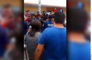 Queman vivos a dos presuntos defraudadores en Veracruz