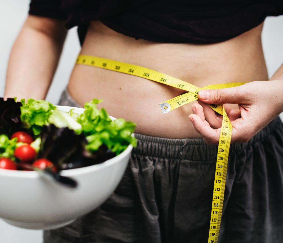 Descubre los hábitos alimenticios que se relacionan con efectos positivos para estimular el metabolismo.