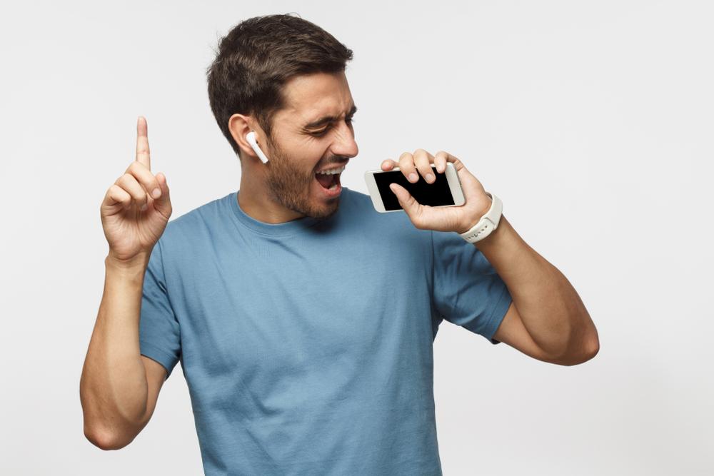 Los 4 auriculares inalámbricos más cómodos con bluetooth que no interrumpen ninguna de tus acciones