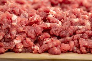 Retiran 6.5 millones de libras de carne por salmonela (y también puede estar en tu refrigerador)