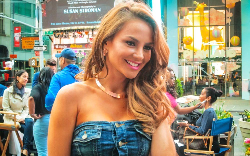 Sigue la rutina de ejercicios de Ximena Córdoba para lograr los abdominales y cintura que tanto sueñas