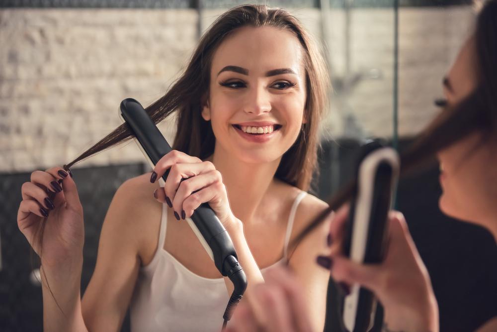 Utiliza estos 4 productos para que puedas alisarte el cabello en tu propia casa eficientemente
