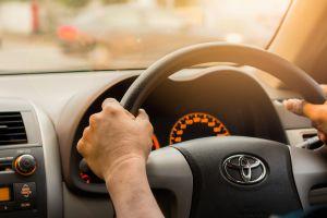 ¿Cuáles son los beneficios del Toyota Care y cuándo ofrece mantenimiento sin costo?