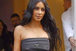 Kim Kardashian y su sexy, pero casto, vestido blanco
