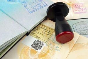Las páginas web que ofrecen visas a EEUU hasta cinco veces más caras de su costo