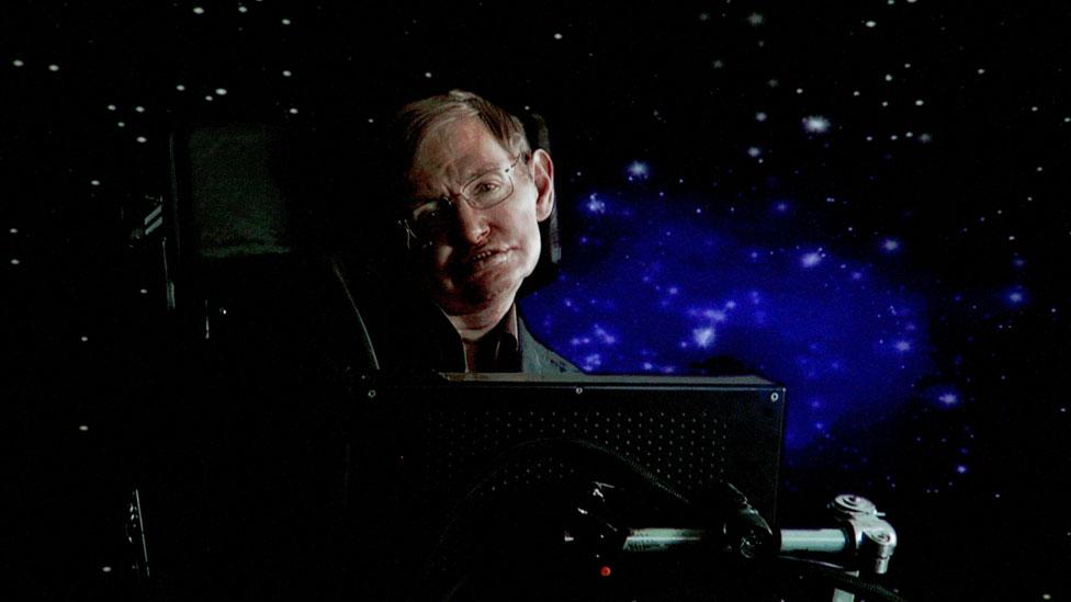 El profesor Stephen Hawking eligió la fusión nuclear.