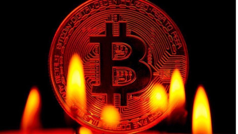Bitcoin: 3 razones para entender su colapso y por qué puede seguir cayendo