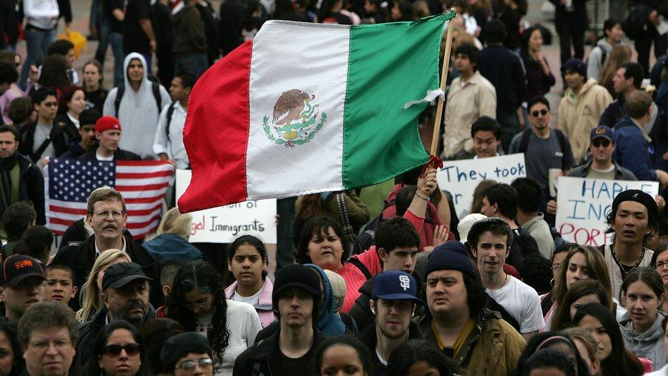 La mitad de los migrantes indocumentados proceden de México.