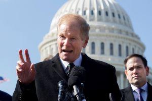 Crece polémica sobre voto en Florida mientras los republicanos pierden su ventaja