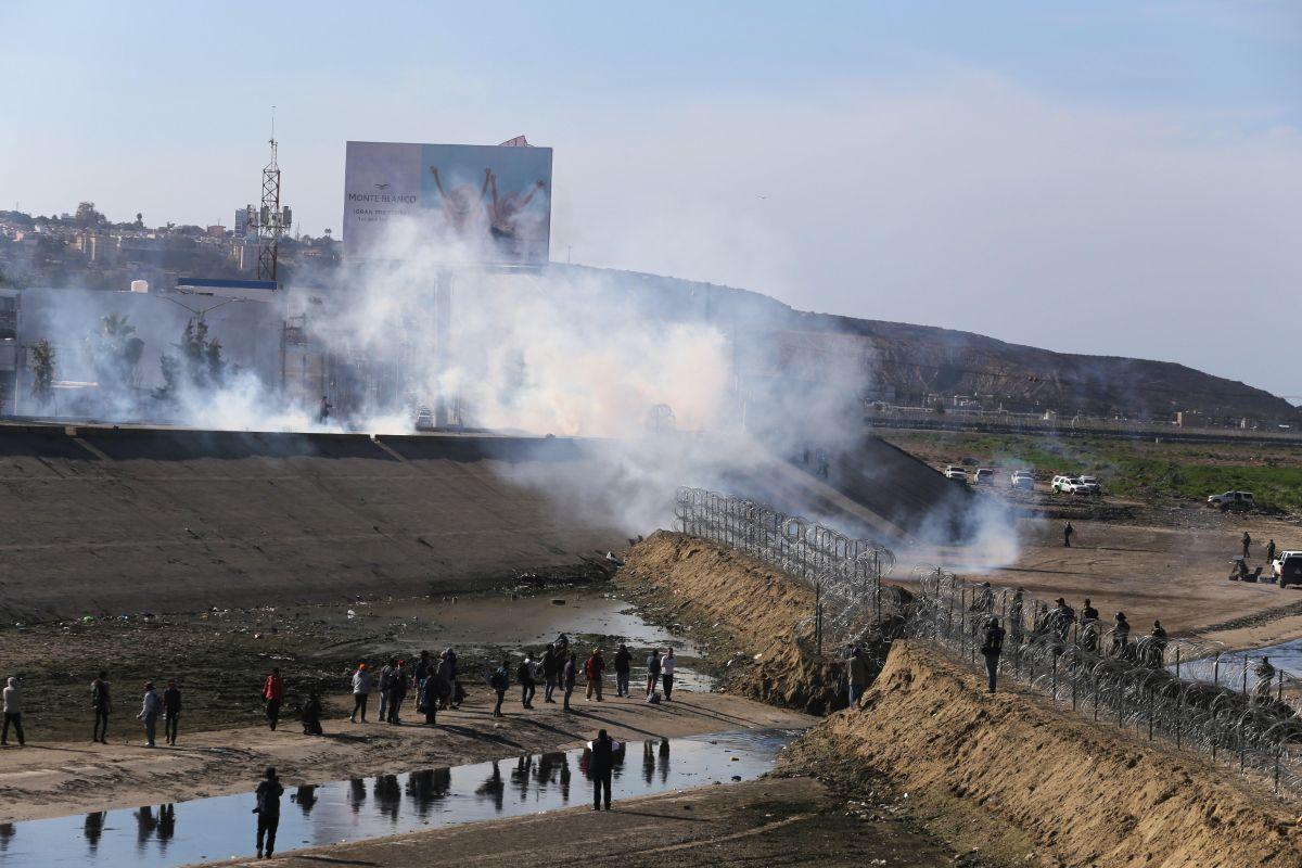 La Patrulla Fronteriza lanzó gases a inmigrantes.