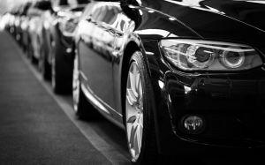 ¿Cuánto cobra el DMV por conducir sin seguro de auto, o aseguranza?