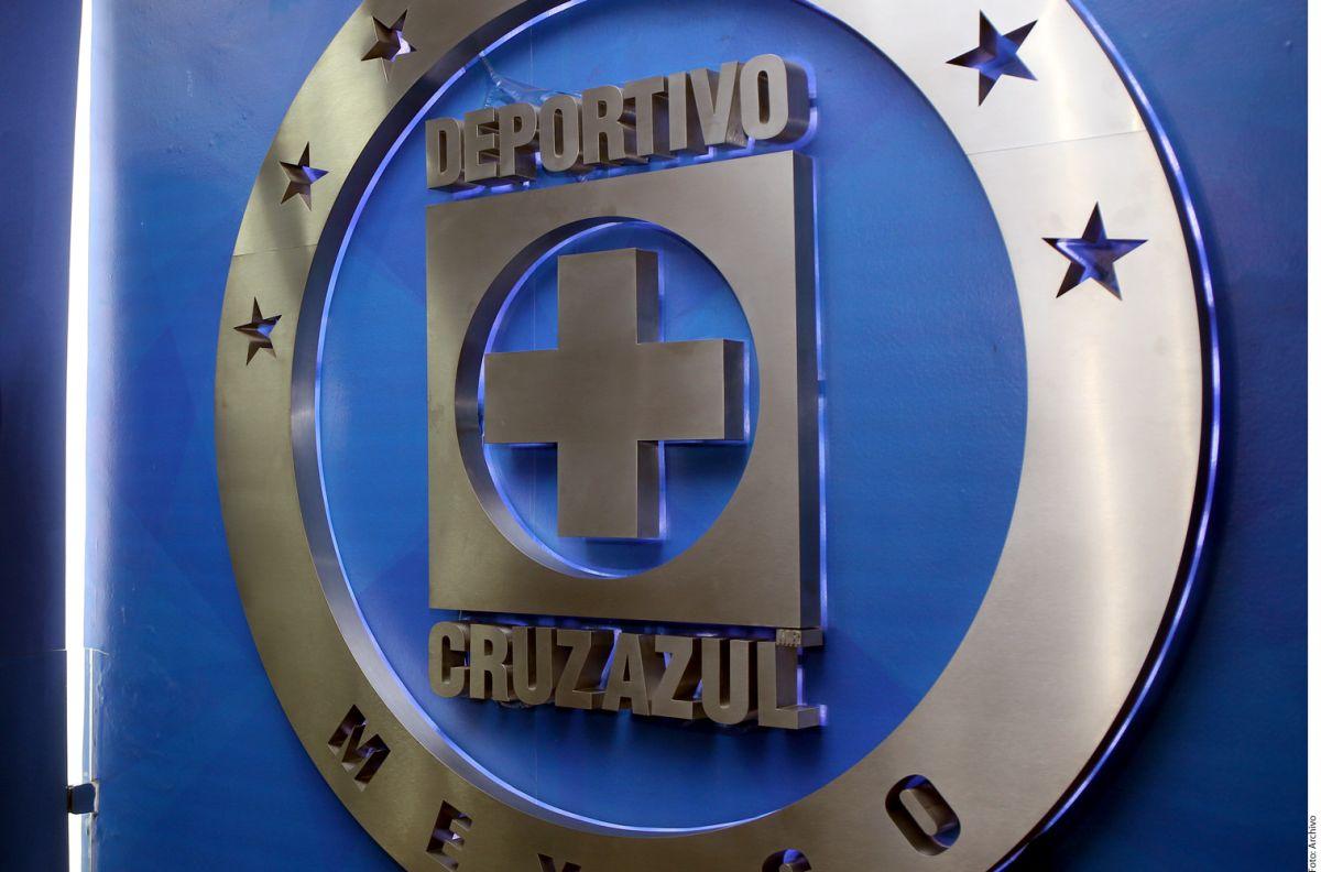 ¡Cuarentena en la playa! Ex figura de Cruz Azul huye del coronavirus en un paraíso