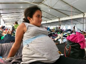 Embarazada muere al ponerse de parto y ser rechaza por tres hospitales por tener COVID-19