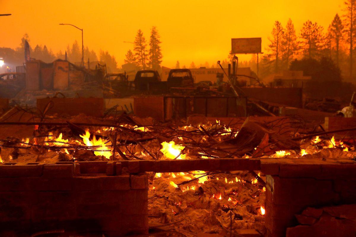 PG&E se declarará culpable de 84 cargos de homicidio involuntario por incendios en California