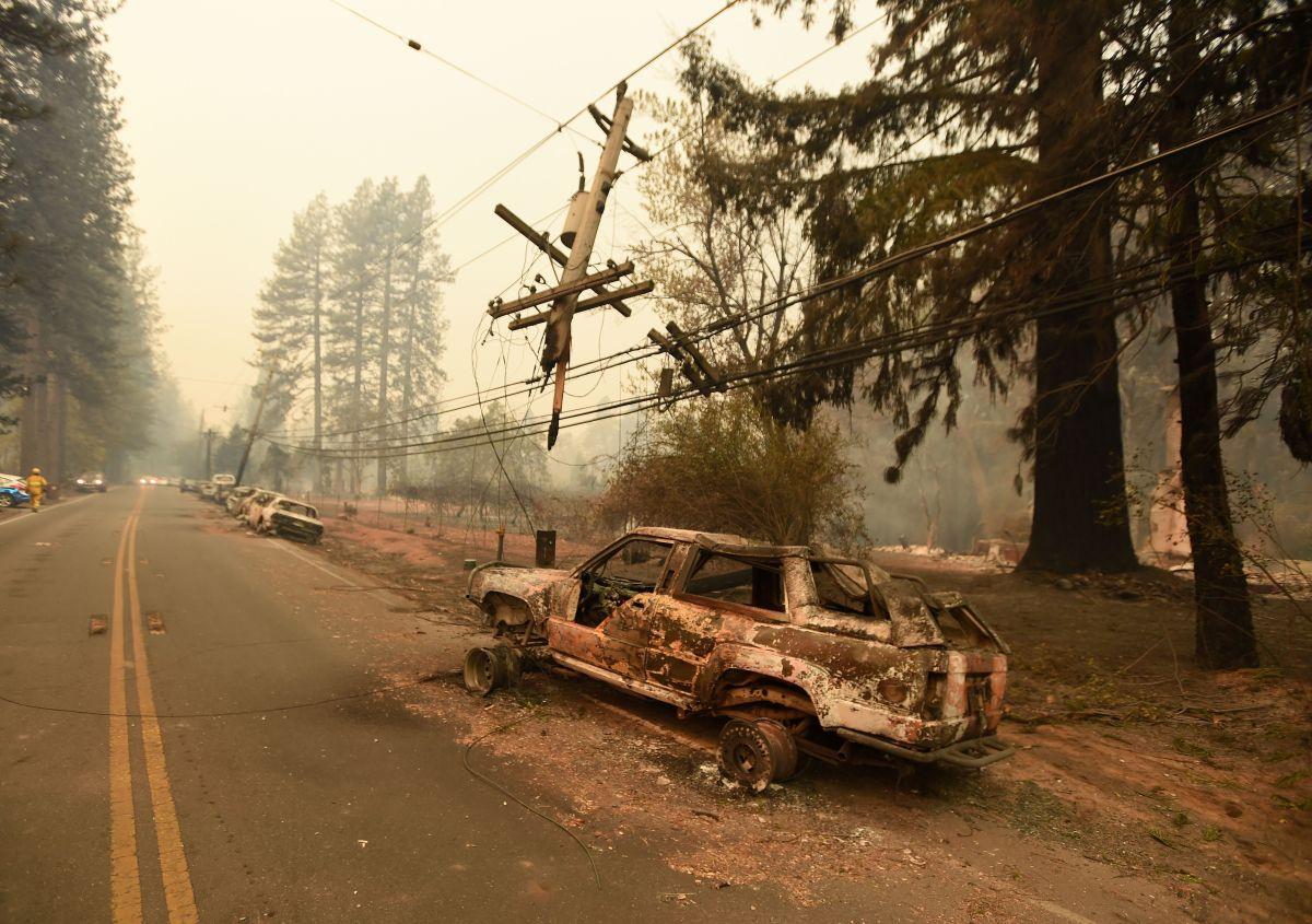 Unas 70,000 víctimas de incendios forestales en California pueden perder pagos
