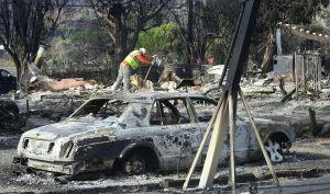 Mujer sobrevive masacre en Thousand Oaks y la casa de su familia se incendia al día siguiente