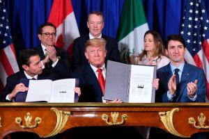 Trump firma tratado de libre comercio con Canadá y México (USMCA)