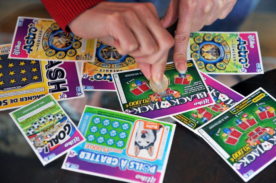 Le dan boleto de lotería equivocado y ganó miles de dólares