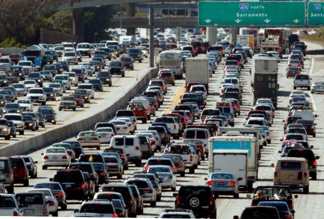 Pronostican cifras récords en volumen de conductores en carreteras