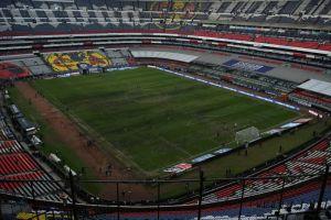 La insólita medida que manchó de negro a los jugadores en la cancha del Estadio Azteca