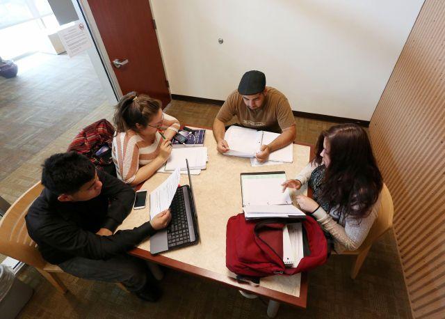 ¿Es posible que la escuela se convierte en una barrera para latinos en Estados Unidos?