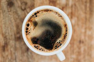Beber café protege del Alzheimer y el Parkinson