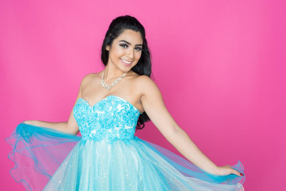 5 vestidos cortos de quinceañera para lucir cómoda luego de bailar el vals