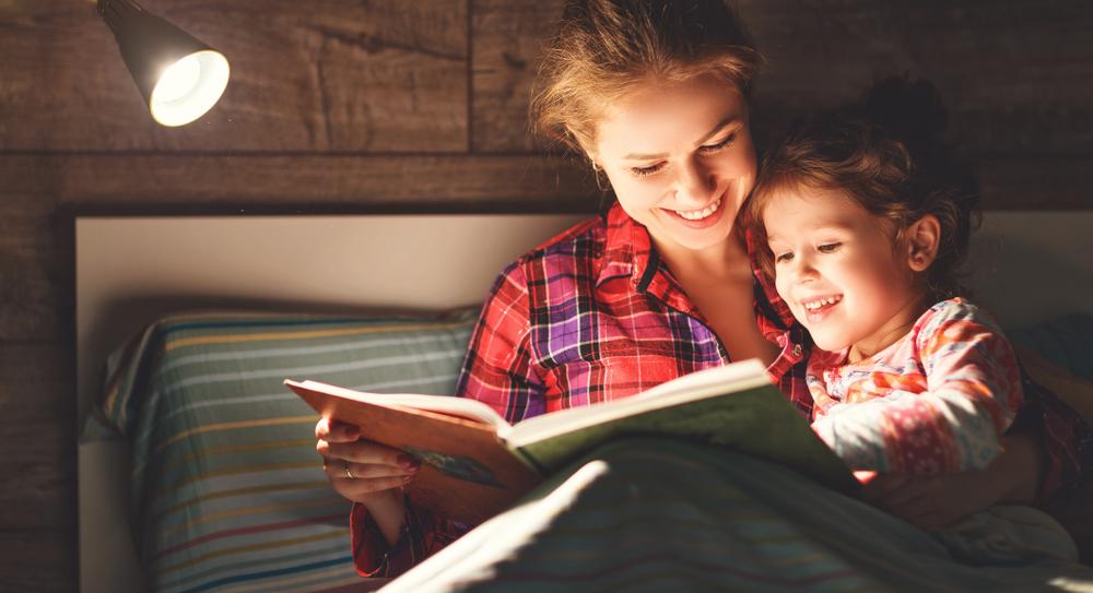 3 lámparas flexibles para leer en la cama por la noche | La Opinión