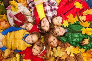 7 útiles prendas de ropa para proteger a tus hijos durante el clima de otoño