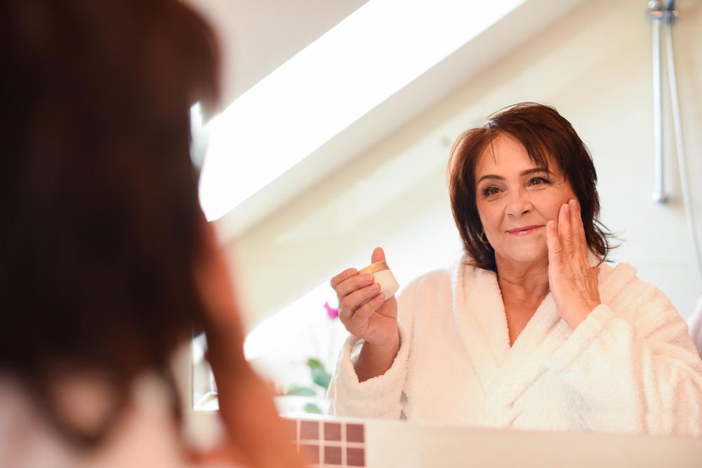 Las 4 mejores cremas para humectar tu piel en la menopausia