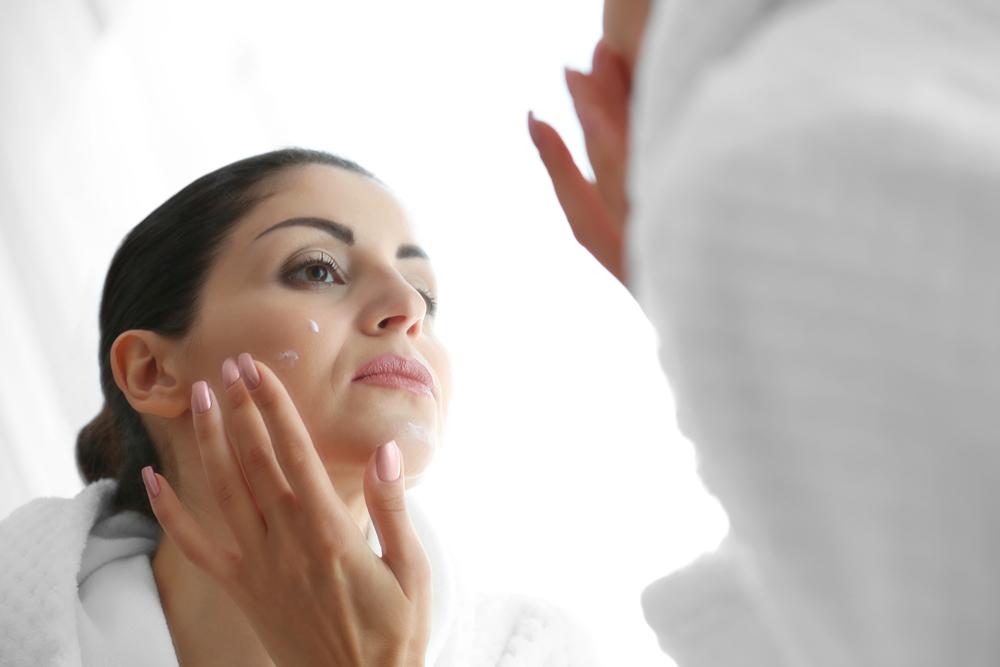 ¿Piel reseca en la cara y con arrugas? Estos productos harán que tu piel se vea firme, fresca y juvenil
