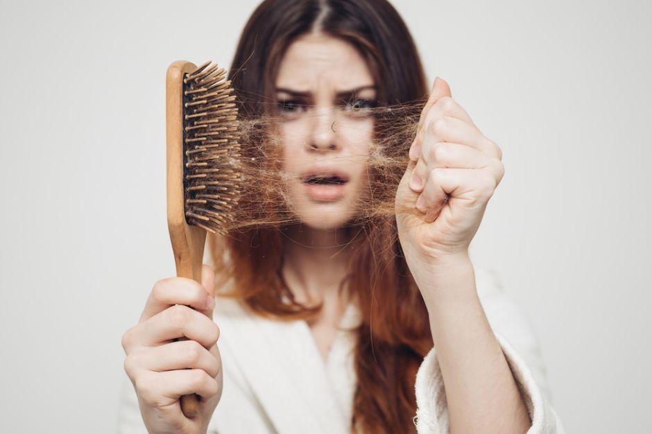 Los alimentos que ayudan a fortalecer el cabello naturalmente