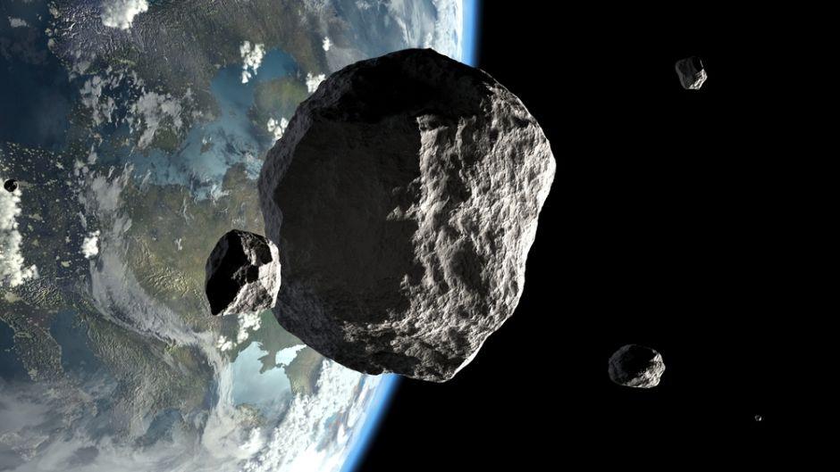 "3 ""peligrosos"" asteroides pasarán rozando la Tierra este sábado"