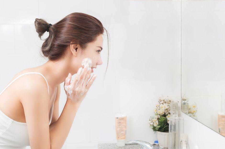 ¿Por qué es tan importante exfoliar la piel a diario?